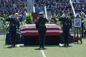 funeral-officer-Brotherhood-for-the-fallen-fort-worth